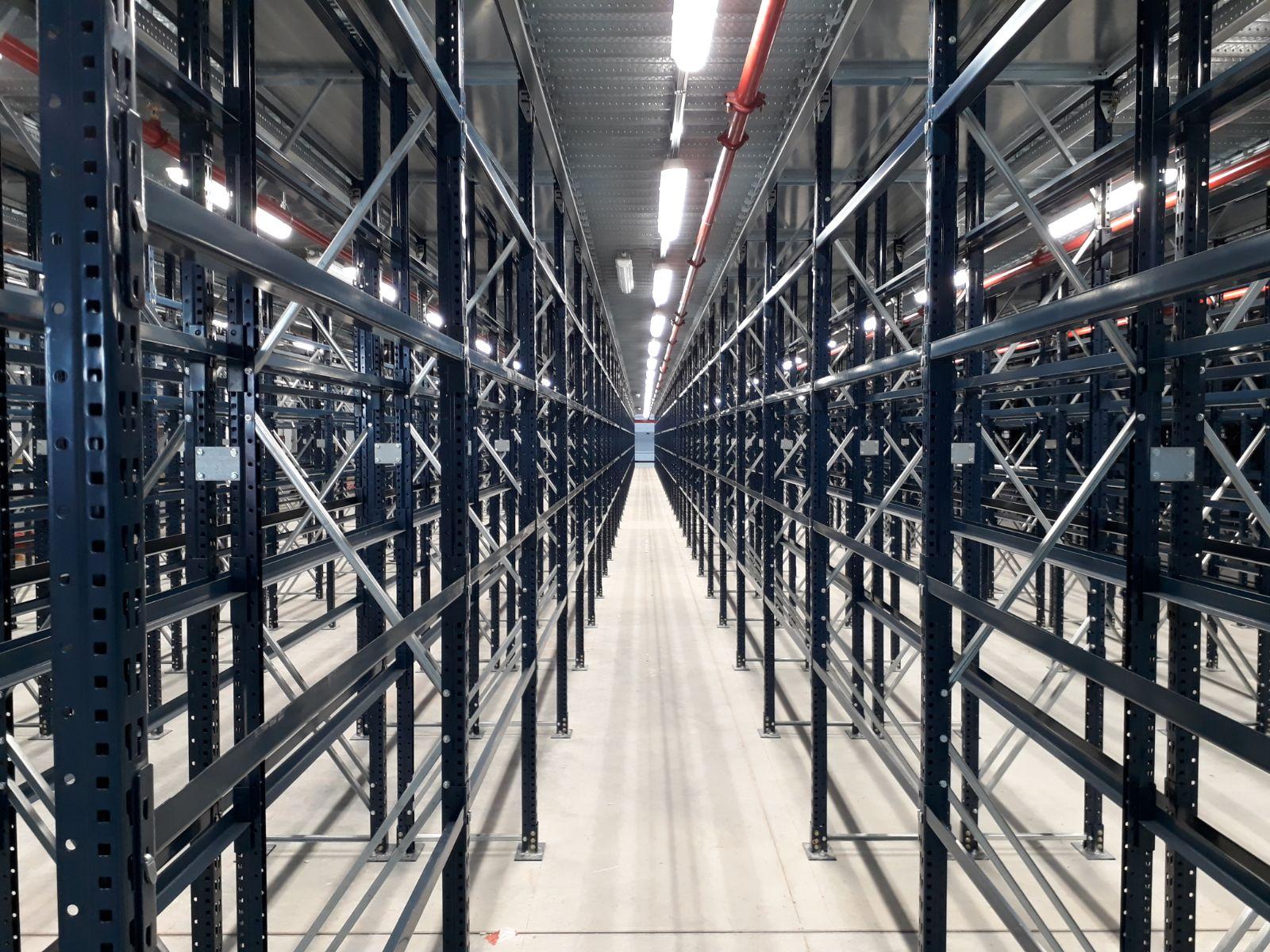 Scaffalature Metalliche Genova Via Gavette.Montaggio Scaffalature Industriali Consorzio Soluzione Montaggi